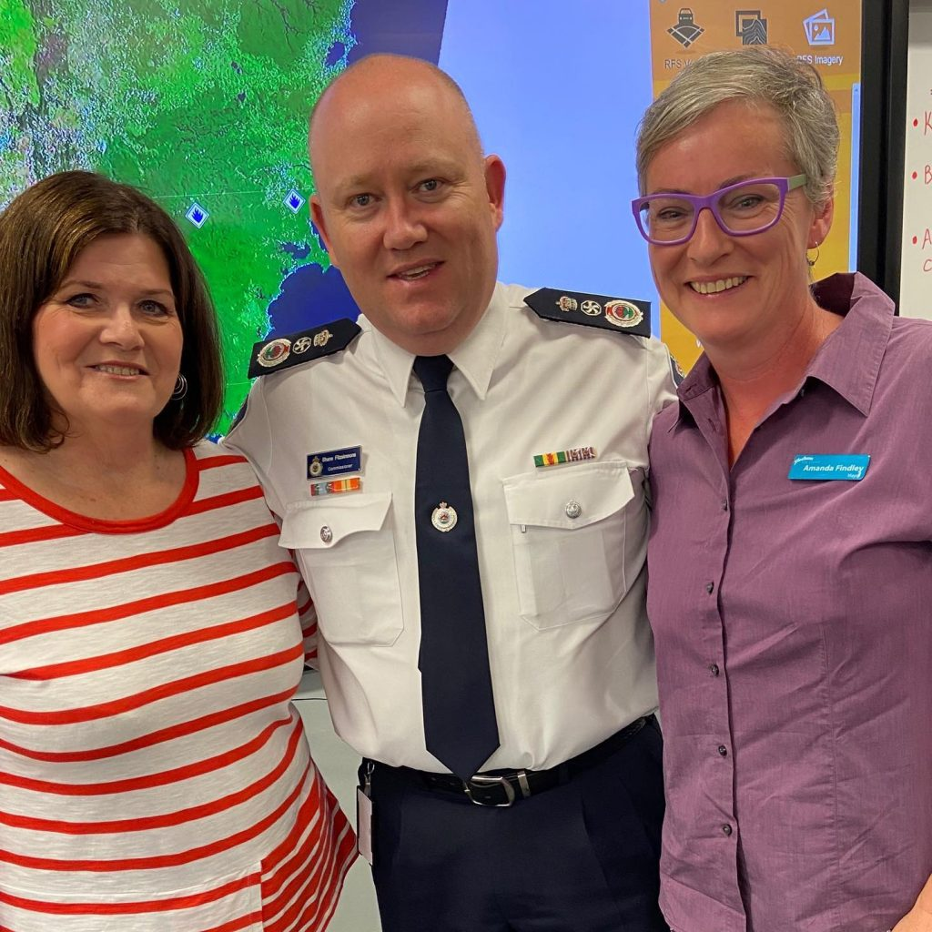 SCC Mayor Amanda Findley with RFS Commissioner Shane Fitzsimmons and Shelley Hancock at the Ulladulla Civic Centre during the Black Summer Bushfires, December 2019